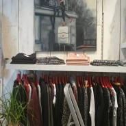Tableau dans la Boutique autrement a Bayonne , 1 rue Salié